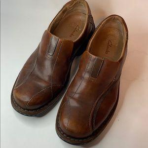 Clarks mens Brown Leather slip on loafer